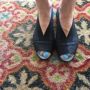 NEW Cloud Footwear Caliber BLACK